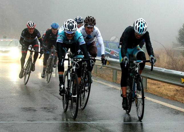Brajkovic gana entre el frío y el caos la 3ra etapa de la Vuelta a Catalunya 2012