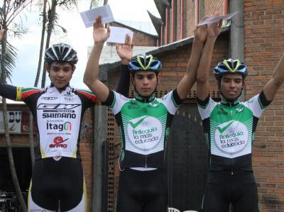 Clásica San Cayetano-Antioquia: Stíber Ortiz del Epm-Une campeón Elite/Juan Pablo Lopera campeón juvenil