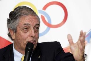 Ministro de Deportes de Colombia Andrés Botero se unirá a la caravana del Giro para apoyar a los ciclistas Colombianos