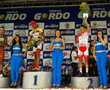 Rujano se mantiene segundo en la Vuelta a Trujillo