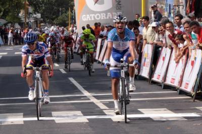 Andris Hernández nuevo líder Gana en Valera Segunda Etapa Vuelta Venezuela