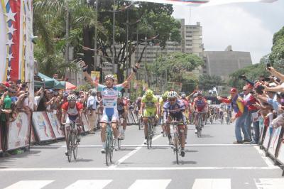 Jonathan Salinas Campeón de la Vuelta a Venezuela 2014/ Kenny Van Hummel (Androni Giocattoli) gano X etapa /Resultas Finales + Fotos