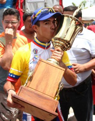 Jonathan Salinas del Kino Táchira amo y señor de la Vuelta a Venezuela + fotos