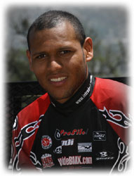 Venezolano Jonathan Suárez triunfó en Binacional de Bicicross