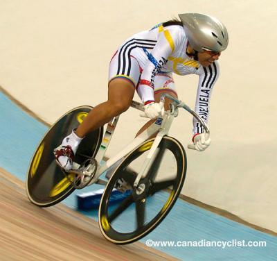 La ciclista  Daniela Larreal conquistó la medalla de oro en la prueba del keirin en los Angeles