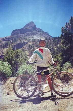 Tras larga odisea, llegan ciclistas mexicanos a Perú