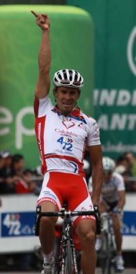 Luis Felipe Laverde Colombia es Pasión gana 2da etapa de la clásica Marco Fidel Suárez