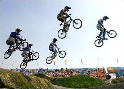"""Ciclistas """"ñeros"""" saltan al futuro"""