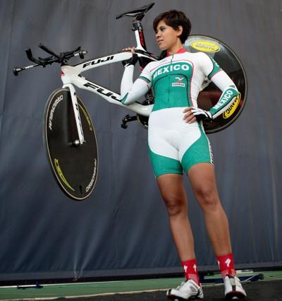 Ciclista Mexicana Fernanda Jurado Cueto se Concentra en Cuba