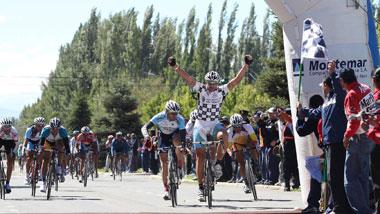 Ángel Darío Colla gana su 2da etapa consecutiva de la Vuelta a Mendoza