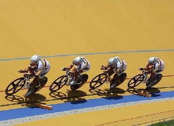 Parte rumbo a Holanda la Selección Colombia de pista