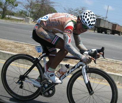 Edwin Parra gana la II Etapa de la Vuelta Región Caribe, e Iván Casas se mantiene de lider