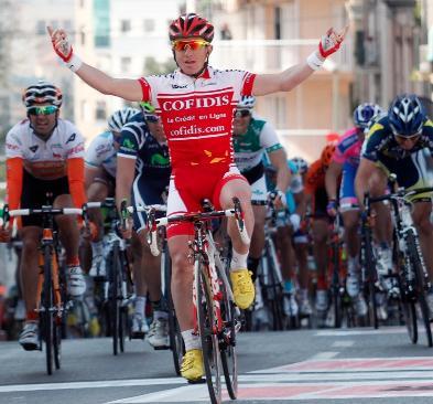 Samuel Dumoulin gana la V etapa en Cataluña; Contador sigue líder