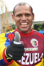 Bicicrosista Venezolano Jonathan Suárez compite en Liga de Bicicross de Miami