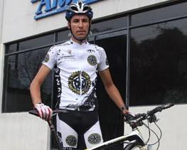 Antonio Guzmán sobresale en el ciclismo de montaña