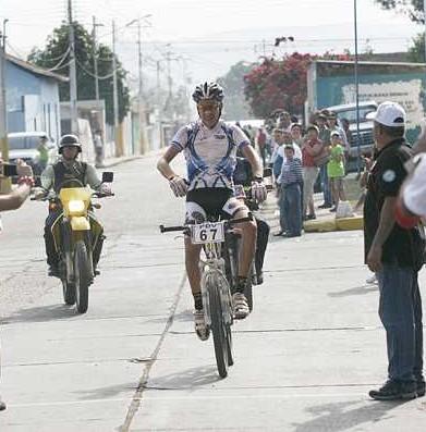 Antonio Guzmán gana I etapa del Reto al Guacharo