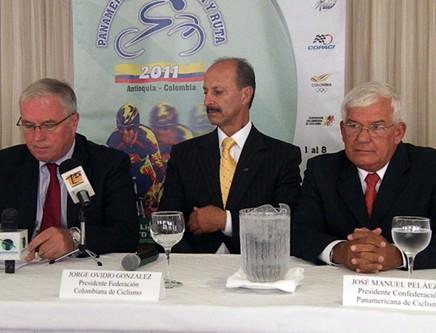 El presidente de la UCI  Pat MacQuaid, arribó a la ciudad de Medellín