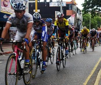 Excelente debut del Club de Ciclismo Transporte Hnos Moya - Empire Keeway