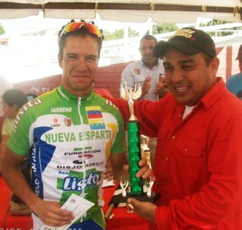 """Jose Velazquez y Edwar Gomez  """"Volaron""""  en Anaco"""