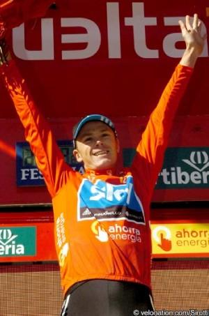 Christopher Froome gana la etapa 17 de la Vuelta a España y Cobo Sigue Lider
