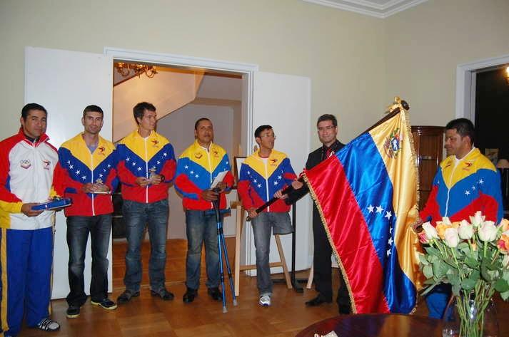 Abanderada Delegacion Venezolana que participara en Mundiales de ciclismo paralímpico