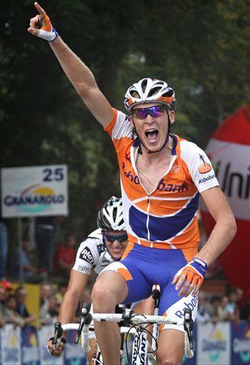 Holandes Robert Gesink se fractura y dice adiós al Mundial y a 2011
