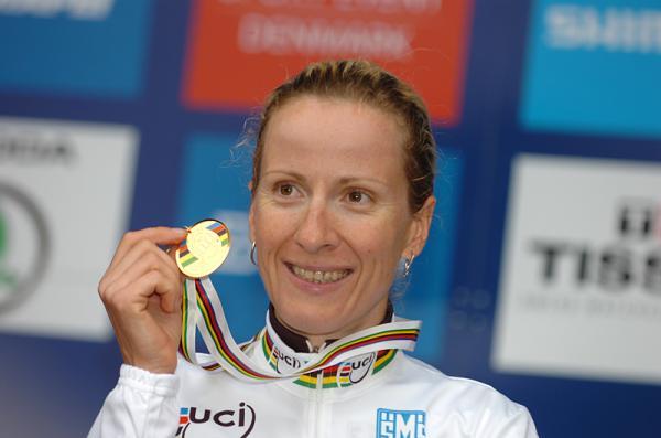 Ciclista alemana Arndt conquista título mundial