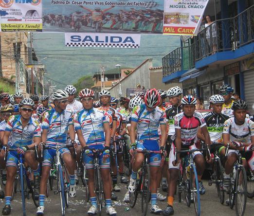Colombiano Diego Mancipi  gana la 2da Etapa de la Vuelta a la Juventud