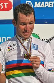 Cavendish estrena su maillot arco iris en la clásica París-Tours