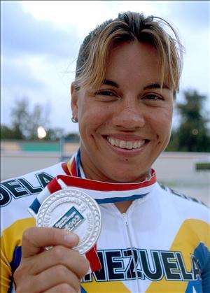 Ciclista Daniel Larreal denuncia exclusióne  de la prueba de velocidad olímpica de los Panamericanos Guadalara 2011
