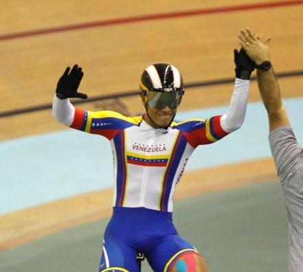 Ciclista venezolano Ángel Pulgar Récord panamericano en velocidad