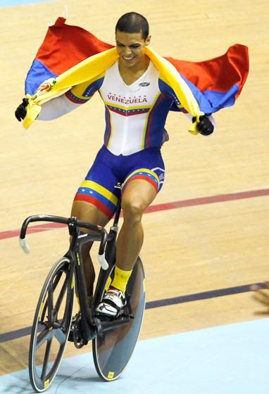 Hersony Canelón, un ciclista con sueños olímpicos y dedicatorias a su madre enferma