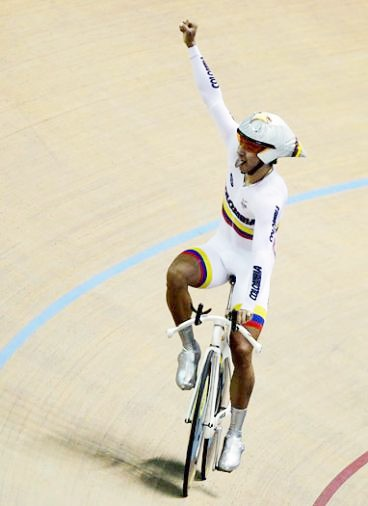 Colombiano Juan Esteban Arango ganó oro en prueba de omnium