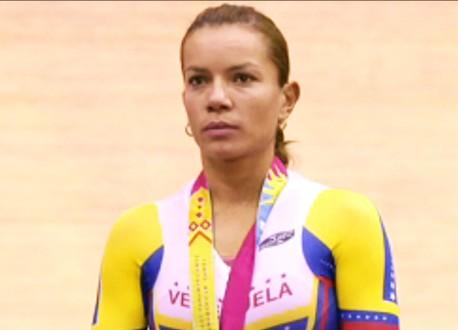 Carabobeña Angie González Oro en omnium femenino