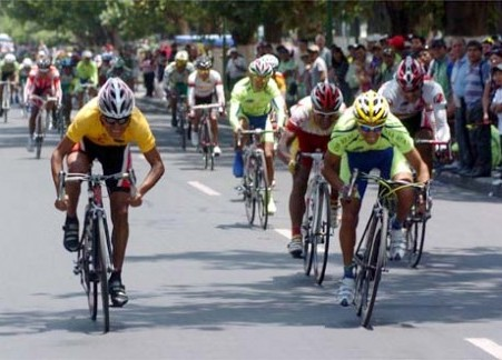 Gilver Zurita gana la Vuelta a Cochabamba de ciclismo