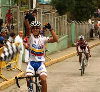 Lotero Carlos Mlolina gana la 4ta etapa del Clasico Jose Gregorio Hernandez