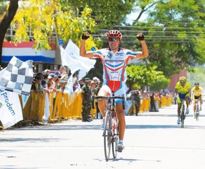 La Vuelta a Bolivia sufre duro revés de la UCI, que elimina dos etapas No valen la jornada de ayer, ganada por el mexicano Rangel, ni la de hoy