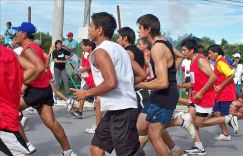 La clásica maratón San Silvestre, en Rosario de Lerma Argentina, cierra el año