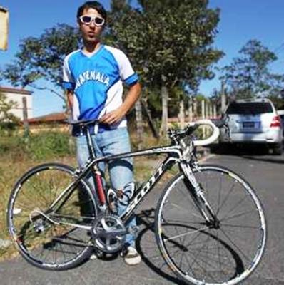 Guatemalteco Julio Padilla un ciclista que promete