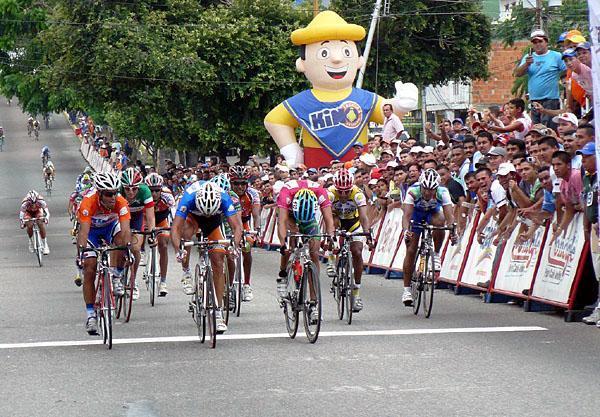 Equipo Cauchos Guayana - Gobierno de Carabobo  listo para la Vuelta al Tachira