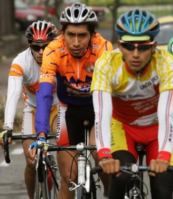 Ciclistas ecuatorianos se alistan para Tour de San Luis