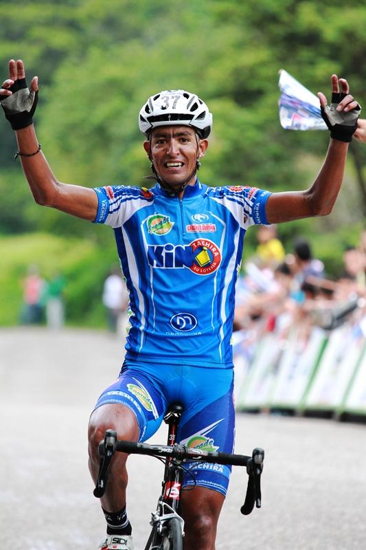 Freddy Vargas gana la 1ra Etapa de la Vuelta a Bramon