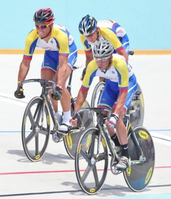 Tripleta Ciclista Venezolana de la velocidad  cuartos en Copa Mundo de Beiging China