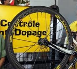 Ciclista France amateur de 19 años da positivo con ¡12 sustancias ilegales!