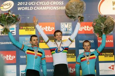 Belgas dominan Mundial de Ciclocross