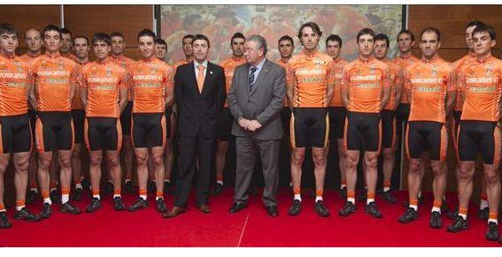 Presentada la nueva plantilla de Euskaltel Euskadi para el 2012