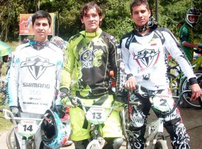 Pilotos de GW Shimano PRO y la selección Colombia BMX, comienzan ganando en el 2012