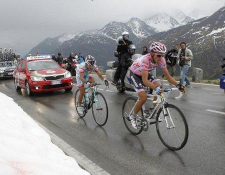 El Tour 2010 sería para Andy Schleck, y el Giro 2011, para Michele Scarponi, la 9na Etapa del Giro 2011 sera para el Venezolano Jose Rujano