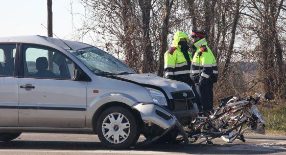 Dos ciclistas mueren arrollados por un turismo en Vallfogona de Balaguer España