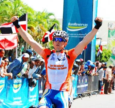 Diego Milan Gana la 5ta Etapa de la Vuelta Independencia y Wendy Cruz sigue Lider